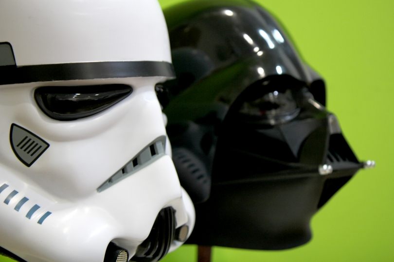 #StarWarsDay  Sorteo de 2 Cascos Clásicos STAR WARS